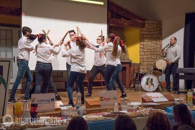 El queso y las cerezas acercan a los alumnos de España y Portugal en el IES Los Sauces